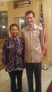 Bersama Duta Besar AS Robert Blake waktu buka puasa di kediaman pribadinya, Juli 2015
